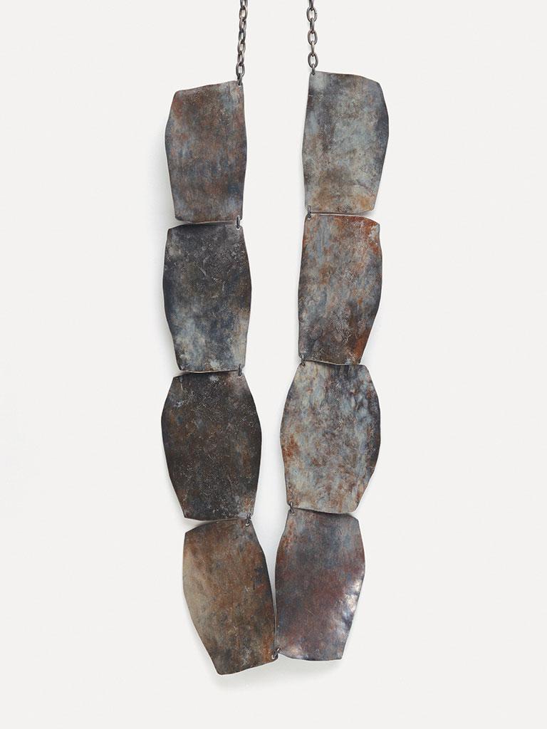 Dorothea Prühl - Collier Titankette I (1997)