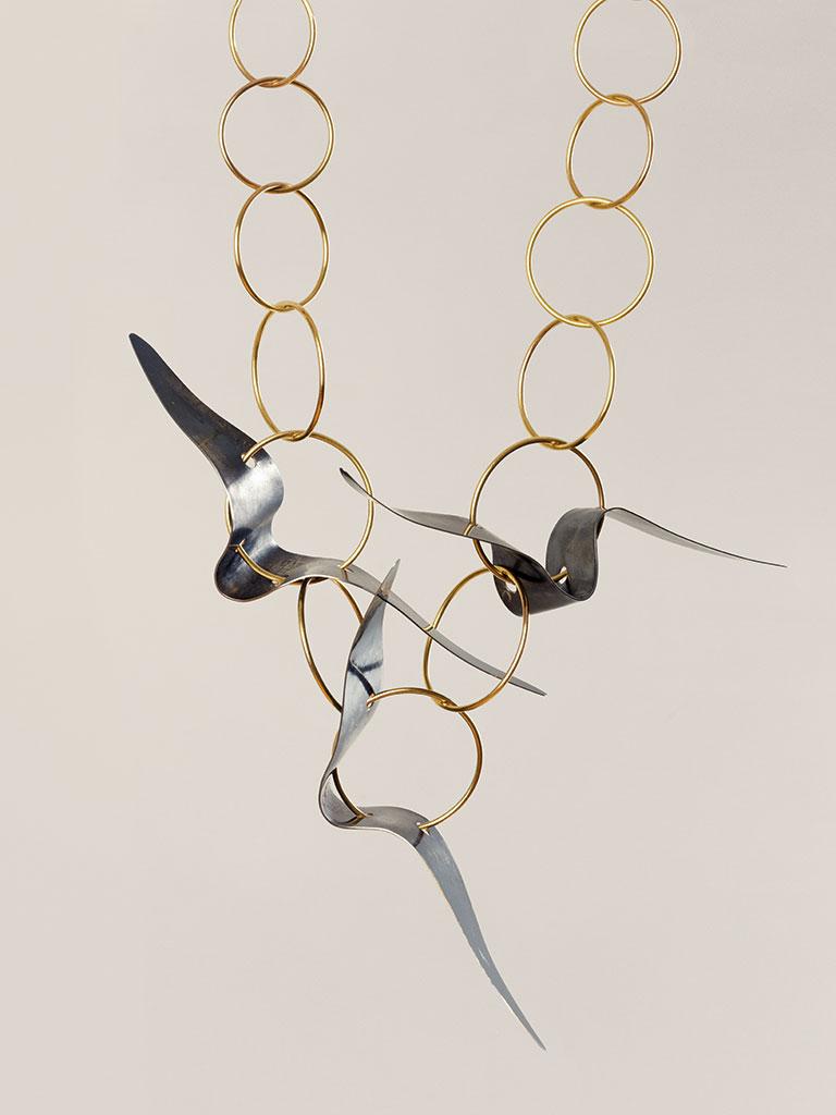 Dorothea Prühl - Collier Vögel in der Luft (2007)
